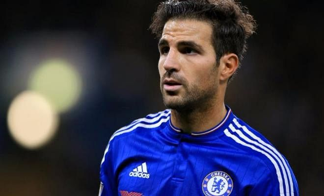 AC Milan are hoping to bring Chelsea midfielder Cesc Fabregas to San Siro in January, according to Italian newspaper La Gazzeta dello Sport. The Spaniard has seen a distinct lack in appearances under Italian manager Antonio Conte. With Nemanja Matic and Kante ahead of him in the pecking order, the former Barcelona midfielder has decisions to make in January.