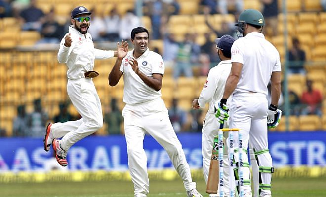 South Africa end Day 1 at 11/2, trail India by 204 runs
