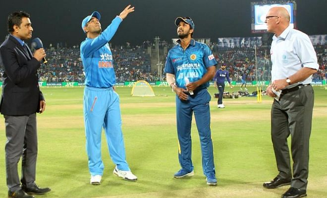 Sri Lanka beat India by 5 wickets in the first T20I