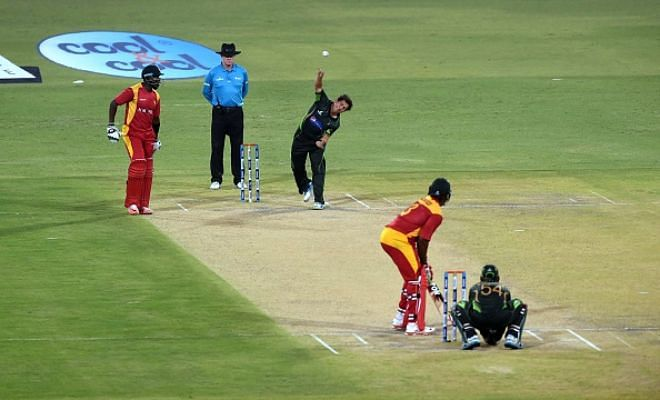 Pakistan beat Zimbabwe by 6 wickets in 2nd ODI