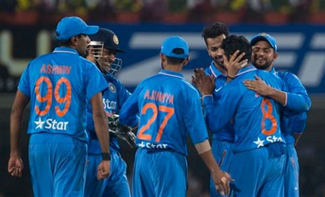 Twitter reacts to India's 69-run win in the second T20I against Sri Lanka