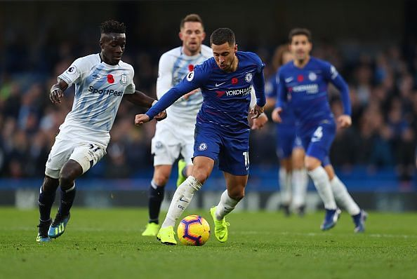 Hazard in possession during Chelsea's goalless draw against Everton