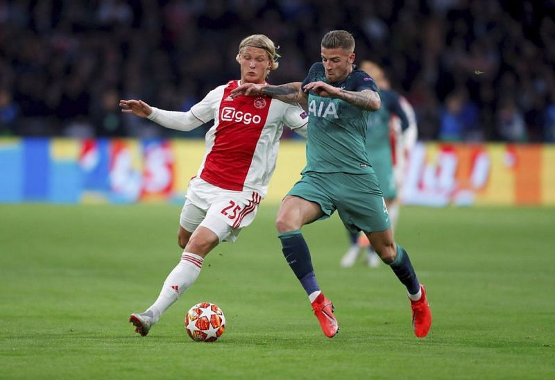 Dolberg, a late replacement for the injured David Neres, struggled to impress in attack