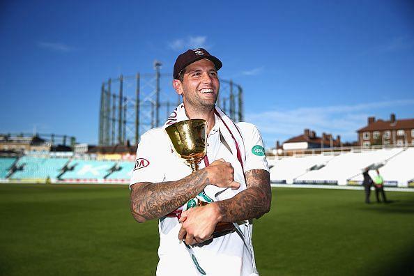 Hindi Cricket News: इंग्लैंड के तेज गेंदबाजजेड डर्नबैक ने अंतर्राष्ट्रीय क्रिकेट से संन्यासलिया
