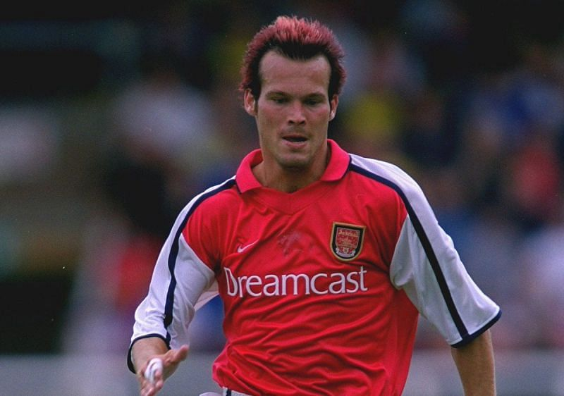 Ljungberg could only balloon the ball over the bar