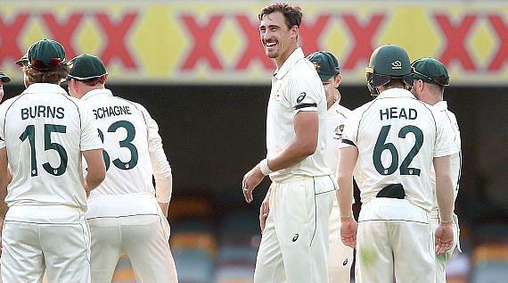 AUS vs PAK, पहला टेस्ट: मिचेल स्टार्क की घातक गेंदबाजी, पाकिस्तान की पहली पारी 240 रन पर सिमटी