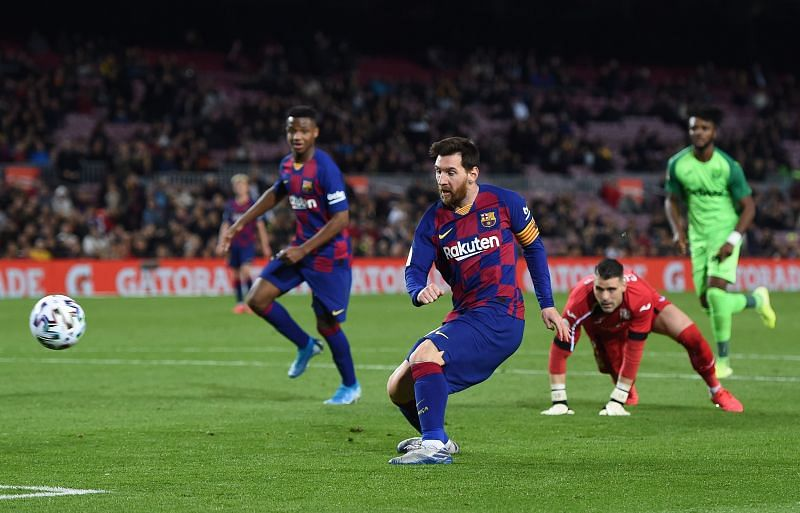 Messi shows composure to round Cuellar and finish the game with a well-taken brace