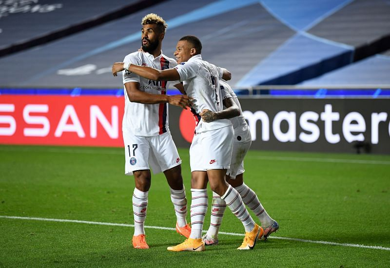 Choupo-Moting celebrates PSG's stoppage-time winner with Neymar, Mbappe during their win vs Atalanta