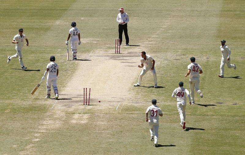 Sunil Gavaskar wants Team India to close the gap before going for a win