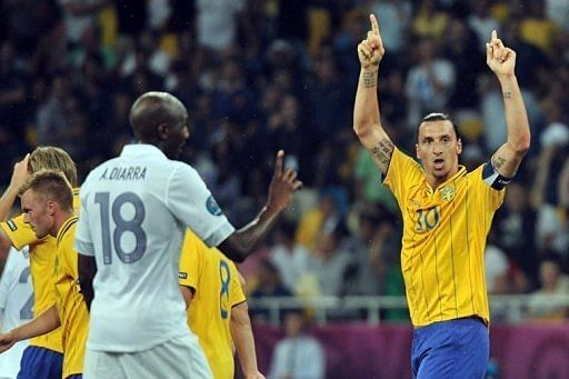 A brilliant bicycle kick by Sweden's inspirational captain Zlatan Ibrahimovic (R) gave them the lead