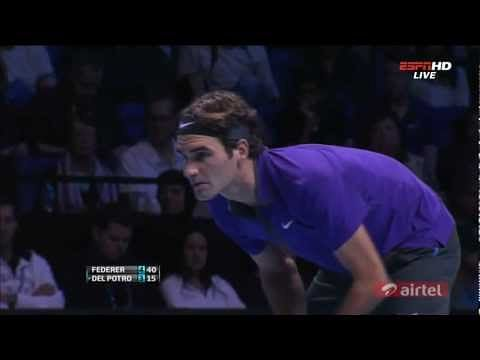 Federer edges del Potro at ATP World Tour Finals