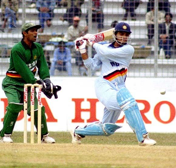 Cricket's Closest Contests: India vs Pakistan Independence cup final