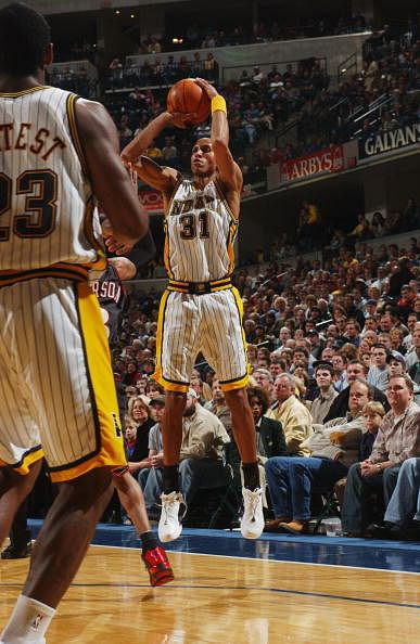 A biography of reggie miller the shooter