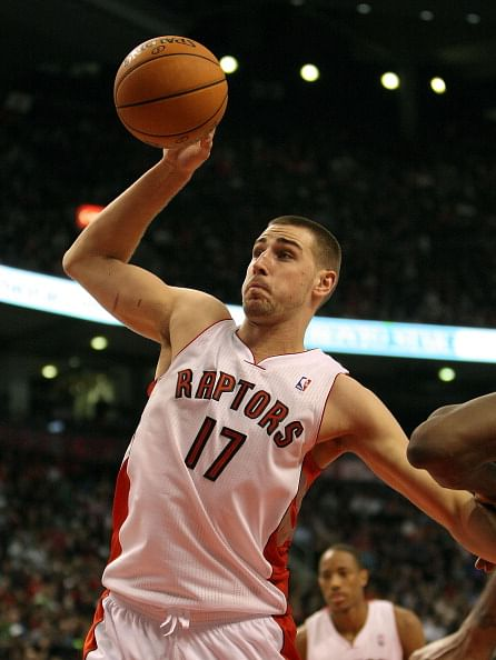 NBA: Valanciunas leads Raptors to victory