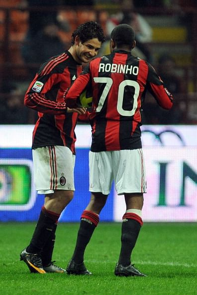 Ac milan not to sell robinho pato for Ac milan club