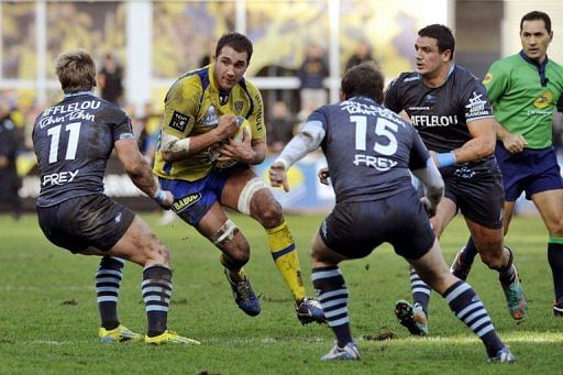 clermont hammer bayonne to close gap on toulon. Black Bedroom Furniture Sets. Home Design Ideas