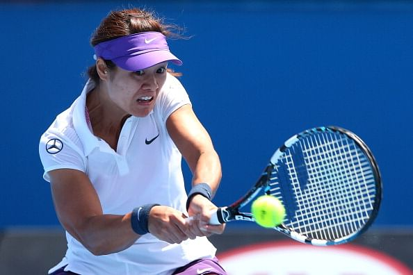 Li Na eases into second round at Australian Open