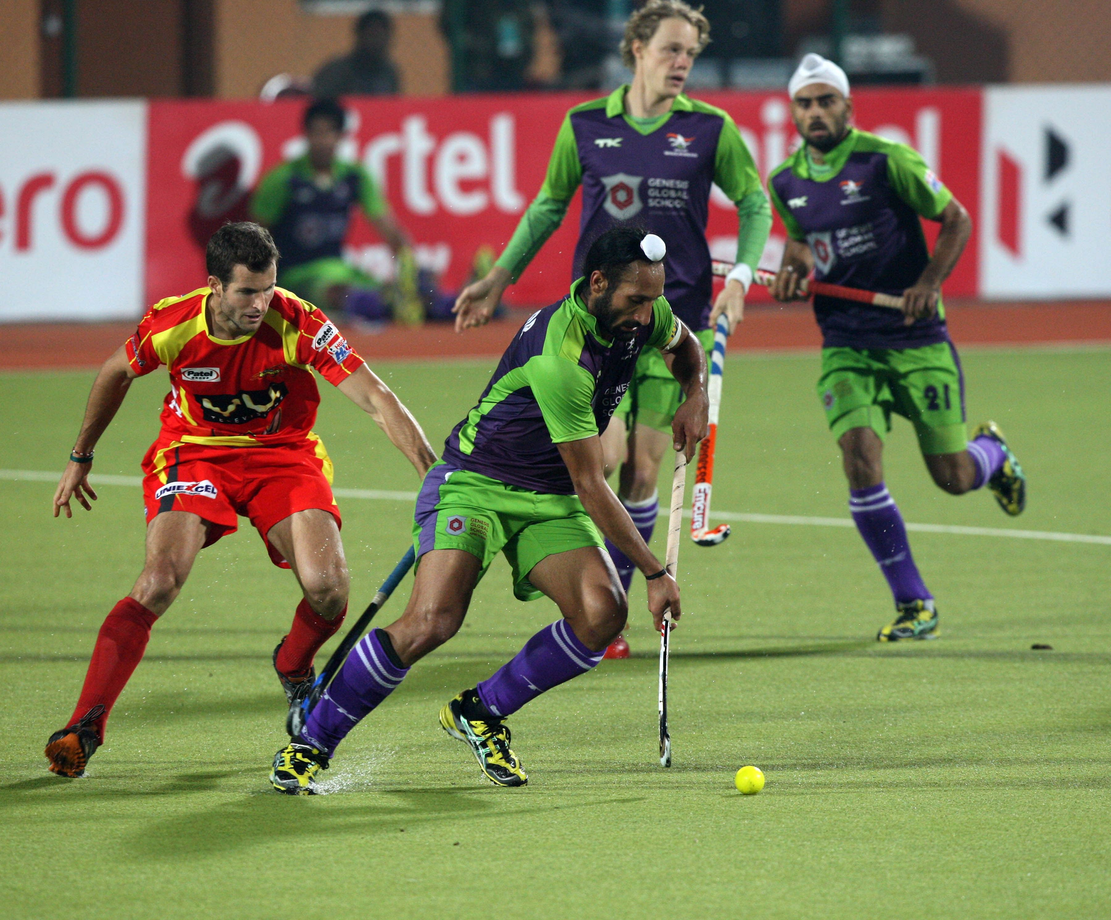 Delhi Waveriders seal a place in Semi-Finals with a win over Ranchi Rhinos