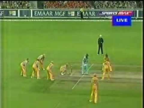 Video: Most attacking field ever set by Australia against India