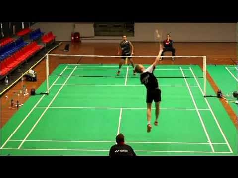 Video: Viktor Axelsen's catchy shot