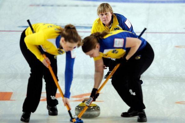 Canada dominates curling as at Sochi Olympics