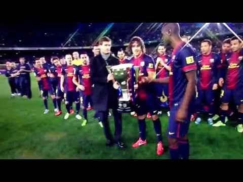 Video: Epic fail by Alex Song during Barcelona title celebration