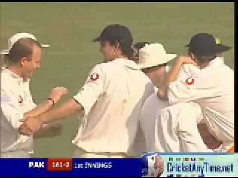 Video: Trescothick uses his head to dismiss Salman Butt
