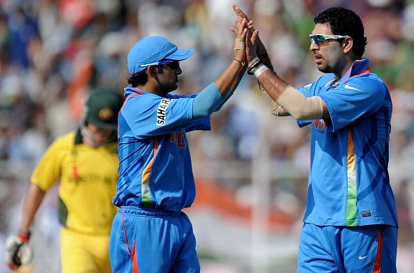 Indian bowler Yuvraj Singh (R) celebrate