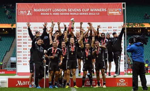 Video: New Zealand win men's and women's Rugby Sevens World Cup