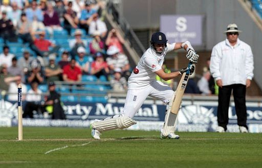 Ton-up Root puts England on top against Kiwis