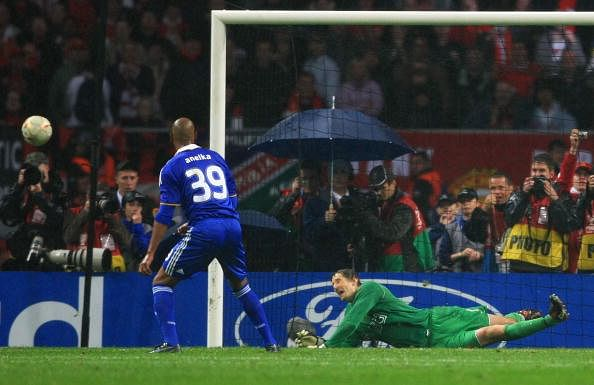 Tribute to van Der Sar best save