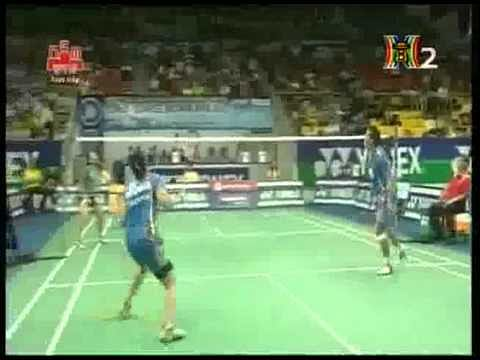 Video: Most funny shot in Badminton