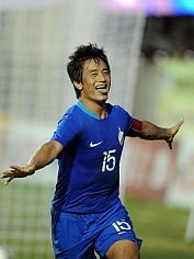India's Bhaichung Bhutia  celebrates goa