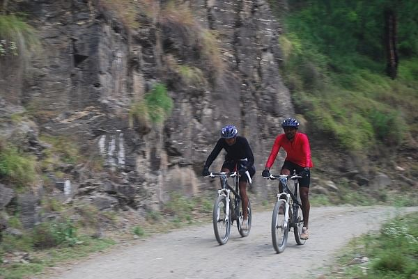 10 Army men from India accomplish record-breaking cycling expedition across the Himalayas