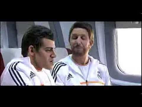 Video: El Clasico 2013 - Barcelona make fun of Real Madrid's Gareth Bale