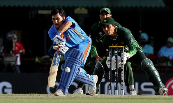 "Top 5 ""unlucky"" moments of MS Dhoni"