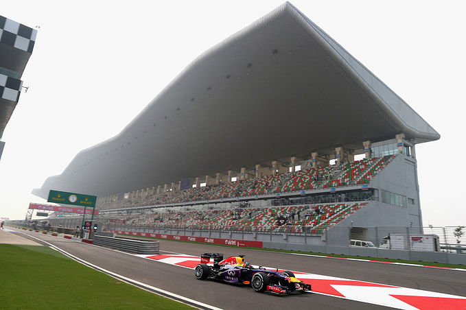Indian GP: Vettel inches closer to the title with pole in India