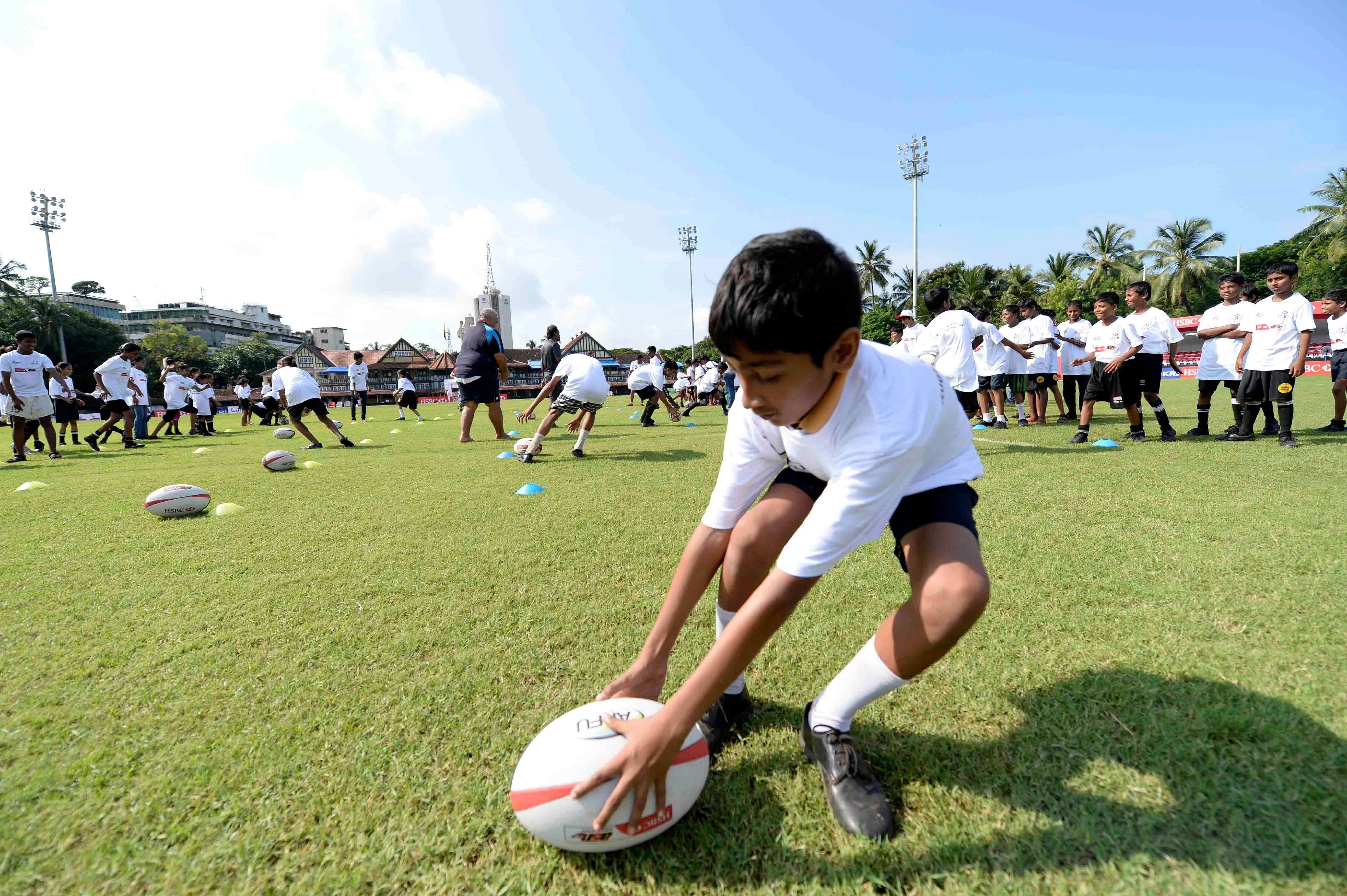 Top seeds through on day one of HSBC A7s in India