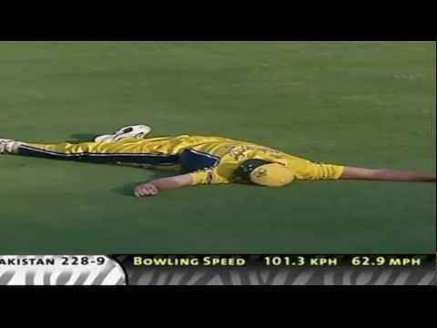 Video: Australian cricket - 24 classic catches of all time