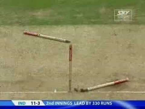 Video: The beauty of fast bowling and its destruction of opponents' stumps