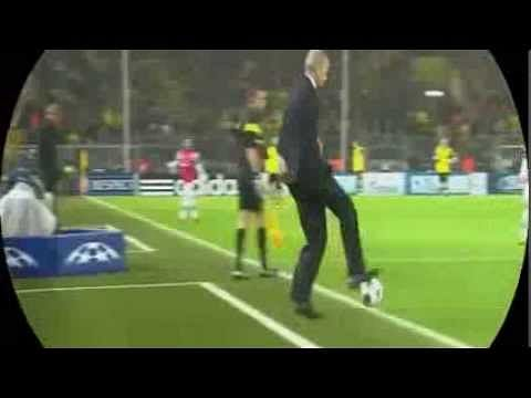 Video: Arsene Wenger shows his football skills