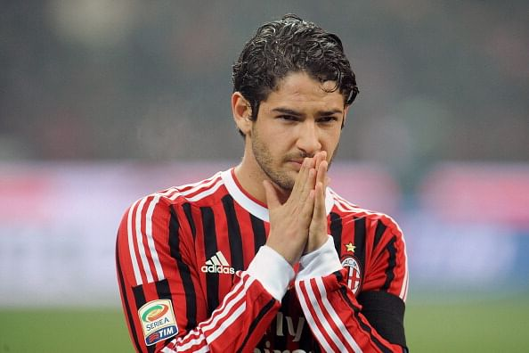 Arsenal, Tottenham in Pato bid