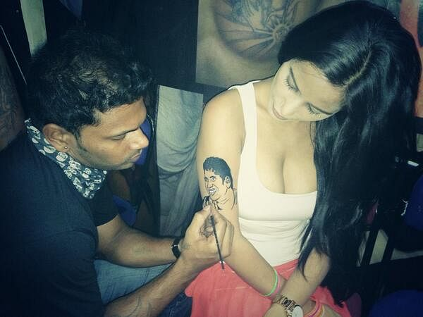 """Sachin"" tattoo on her arm, Poonam Pandey pays her tribute to Sachin Tendulkar"