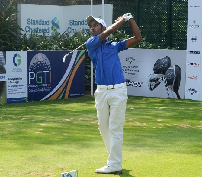Rashid Khan takes five-shot lead at SAIL-SBI Open