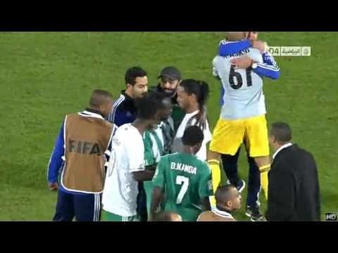Video: Ronaldinho robbed off his boots after FIFA Club World Cup semi-final