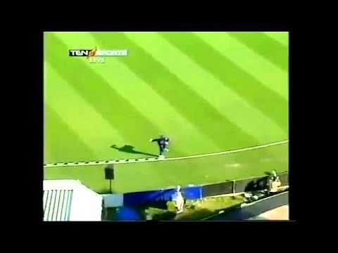 Video: 10 Amazing catches in cricket's history