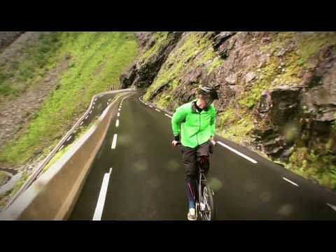 Video: Extreme sports legend Eskil Ronningsbakken rides a bike backwards at 80km/hr