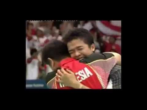 Video: Taufik Hidayat's backhand shots compilation