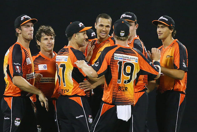 Adelaide Strikers vs Perth Scorchers, Regular Season - 31 Dec 2013
