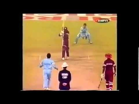 Video: Brian Lara gets clean bowled by Sachin Tendulkar